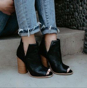 Shoes - 💕ARRIVING 3/19 Black Peep Toe Booties💕